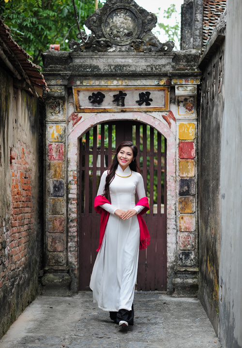 hoa-khoi-sinh-vien-ha-noi-Hồ Ái Thơ tại làng cổ Đường Lâm